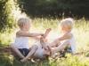 busig familjefotograf familjeporträtt sommar