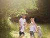 avslappnat lekfull familjefotografering karlsborg