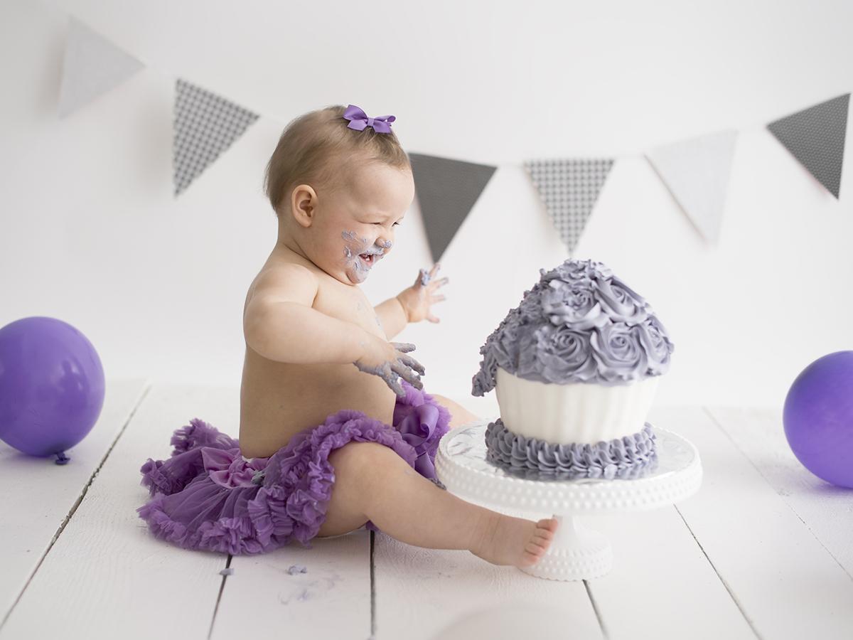 Lila cake smash