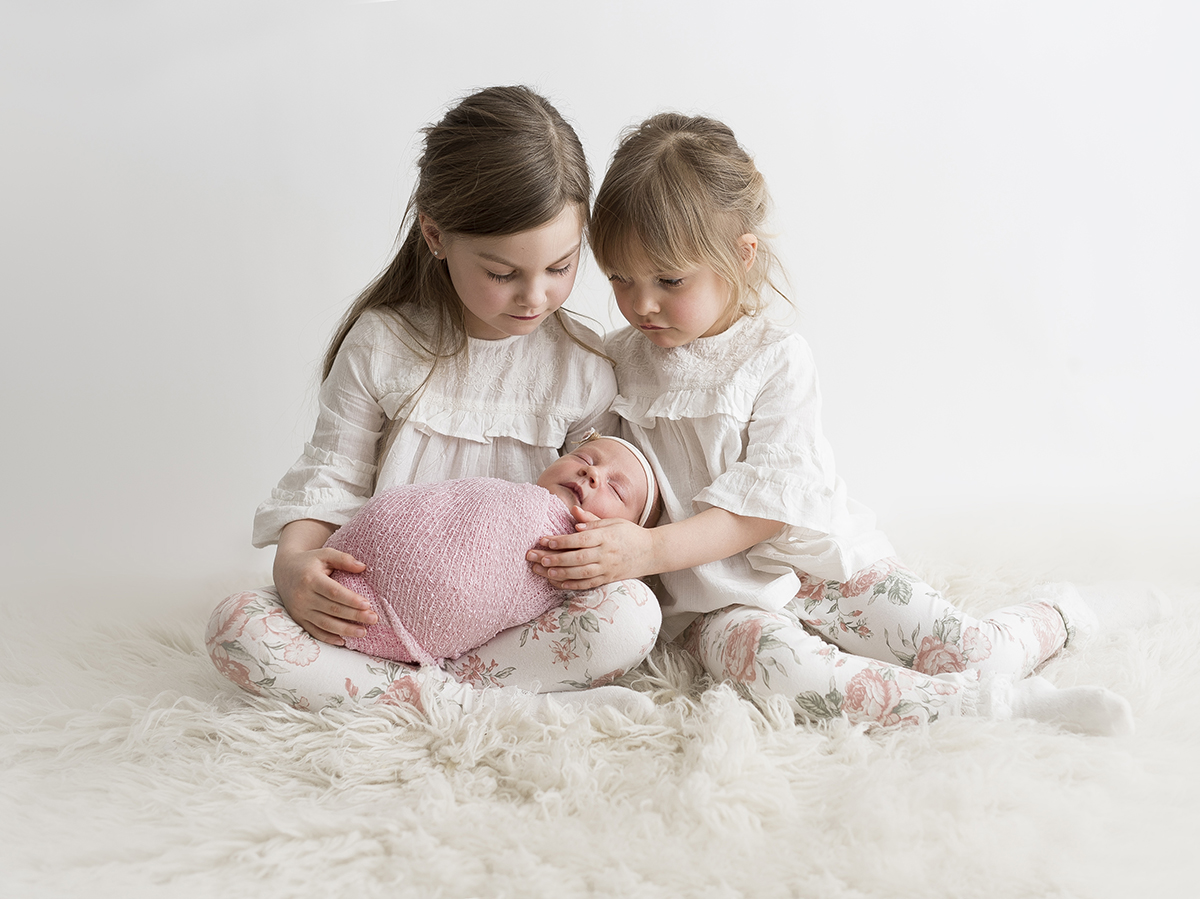 Naturliga och fina nyföddporträtt i Västra Götaland