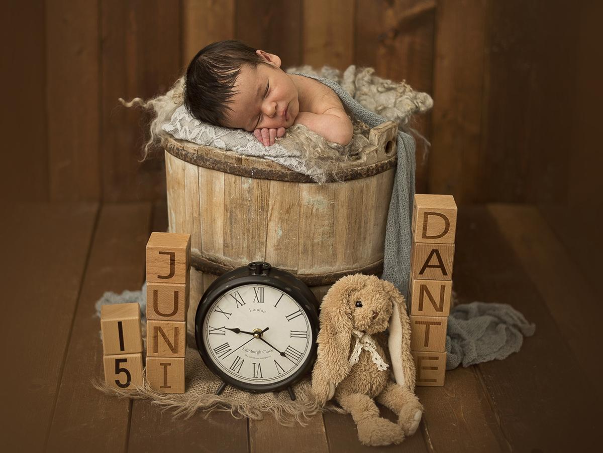 Fotografering av nyfödd bebis Skaraborg