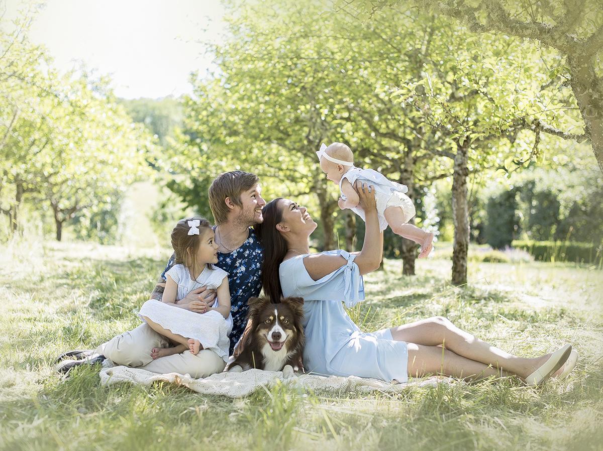 Familjefotografering på Ryds ängar i Skövde