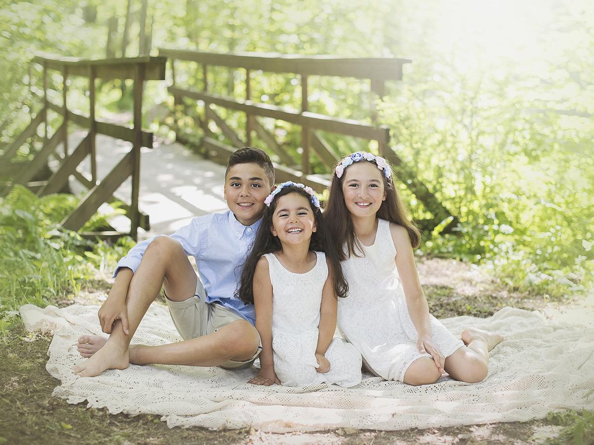 Föreviga en fin syskonbild på dina barn i Skövde