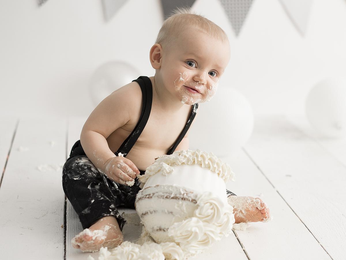 Tårtfotografering i Skaraborg vit tårta
