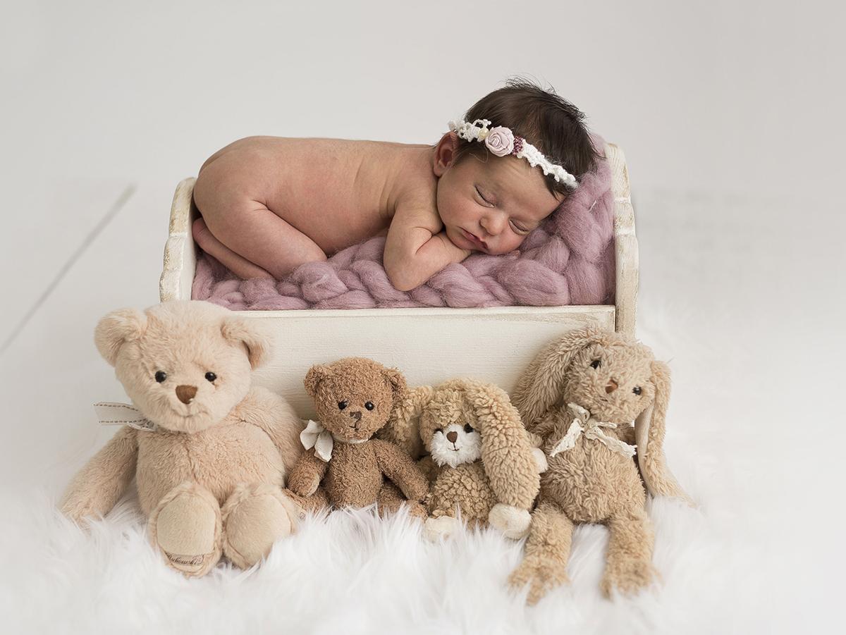nyföddfotograf i stockholm med studio